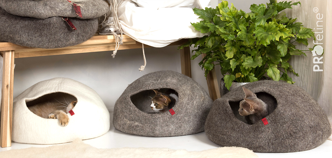 Cat Cat Caves made of 100% Wool