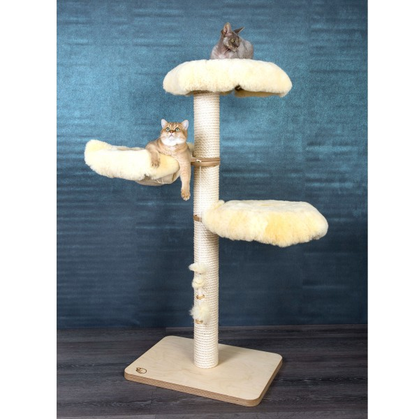 Lambskin Cat Tree Model Magnus
