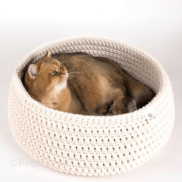 Meow Loops - Crochet Cat Bed